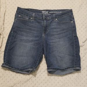 Levi's Bermuda shorts size 8